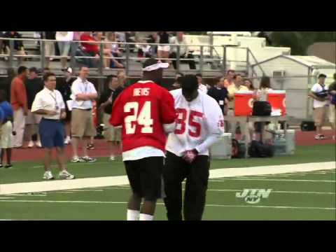 2010 Pro Bowl Practice Mic'd Up : Darrelle Revis