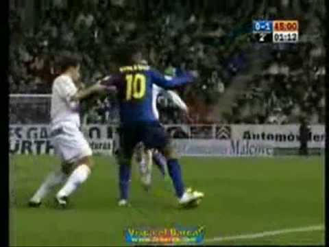 WOW! bagi yg suka sama Ronaldinho :)