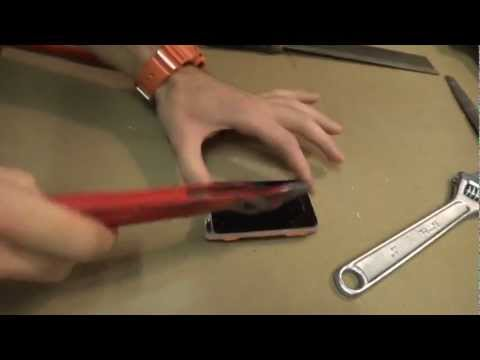 Xperia Active CrAsh Test! INCREDIBLE, AMAZING!!!, Sony Ericsson Xperia Active Translation from 2:40 to people all over the world. I said: &quot;AMAZING!! after two hundred hammered we were able to damage the xper...