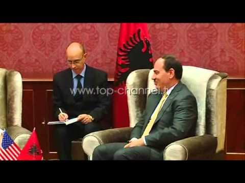 Victoria Nuland viziton Tiranën - Top Channel Albania - News - Lajme