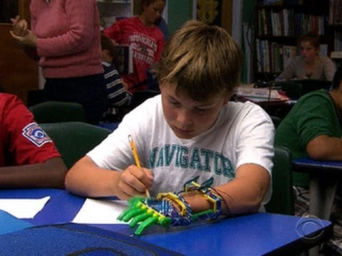 Boy gets prosthetic hand made by 3-D p