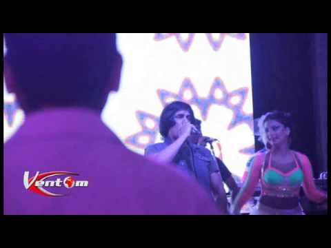 Ashmast Live Performance On Long Da Lashkara @ Hotel Taj Palace,Delhi 28/06/2014