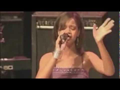 Rihanna live - Hero