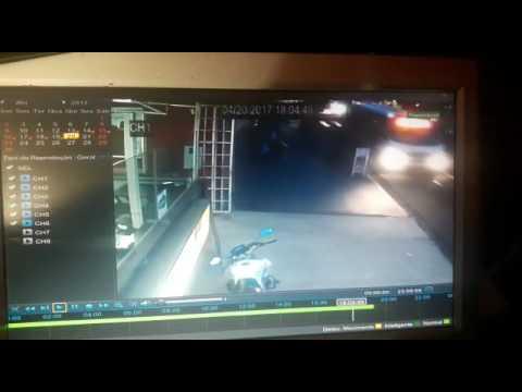 Vídeo Jovem fica gravemente ferido após atropelamento na Avenida em São Carlos