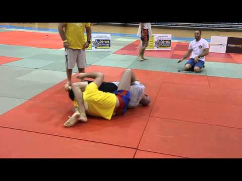 ADCC Israel 2013:  40 year old flying triangle.