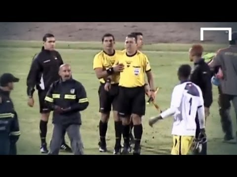Players FIGHTING with the referee - Deportivo Quito