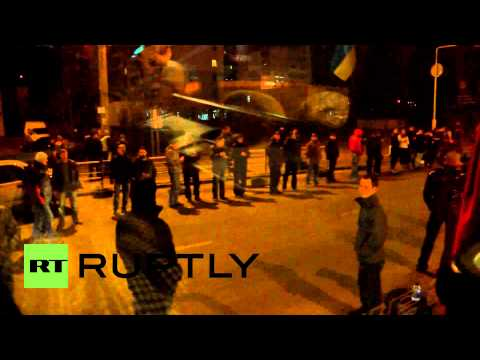 Ukraine: Lviv activists journey overnight to join Kiev protest