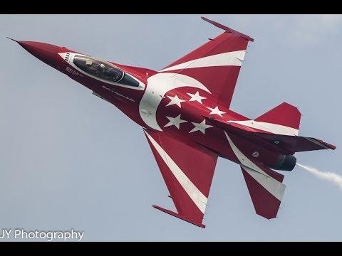 Singapore Air Show 2014 - RSAF Black Knights