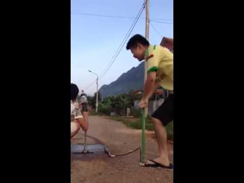 Súng chế bằng ống nước như tên lửa :))