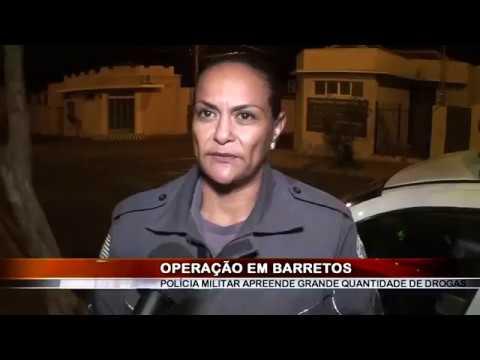 04/07/2018 - Polícia Militar apreende grande quantidade de drogas pelos Predinhos Velhos em Barretos
