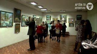«Притяжение» – выставка уникальных  живописных работ открылась  в центре «Галерея»