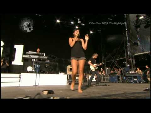 [HQ] Lily Allen - Womanizer (V Festival 22nd August 2009