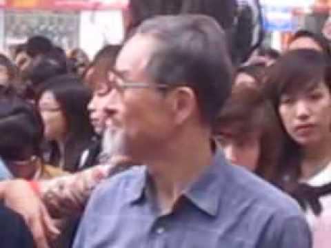 Fan hâm mộ lớn tuổi của Mỹ Tâm đến từ Nhật Bản [Ký đĩa Vol8 Tâm in HN]