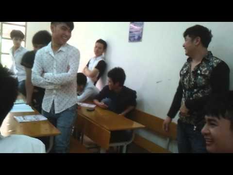 Cận cảnh ANH HIẾU quay tay trong lớp bị cô giáo bắt được
