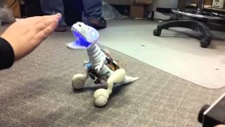 Robot mainan yang mengagumkan
