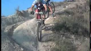 Caida con bicicleta de montaña