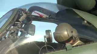 Nesta edição você conhece o helicóptero de ataque da Força Aérea Brasileira, o AH-2 Sabre empregando armamento. Você também acompanha um balanço do maior exercício de combate aéreo da América Latina, a CRUZEX Flight 2013.