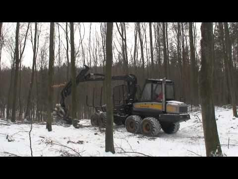 Praca w lesie - zrywka forwarder