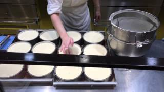 Uncle Rikuro Puffy Cheescake in Japan (Making of)