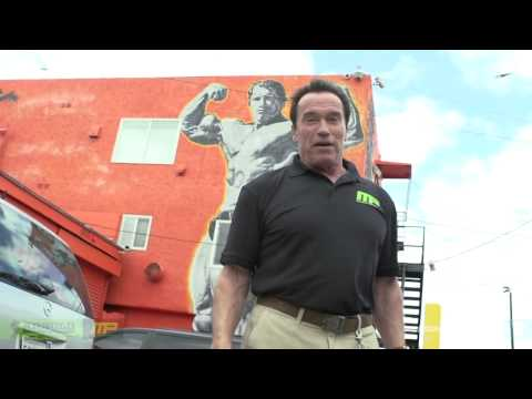 Arnold Schwarzenegger -Gives us a Tour Guide of  Venice   YouTube