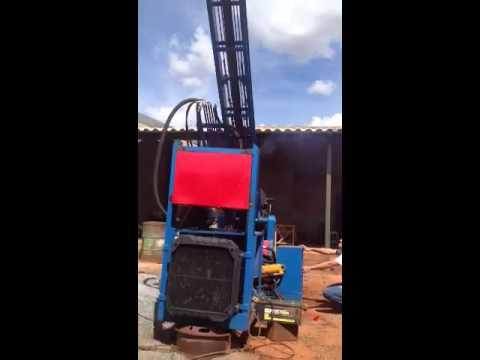 Máquina para perfurar poços