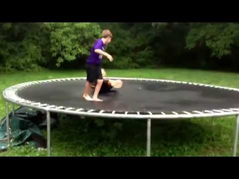 Crazy Trampoline Fighting Kids