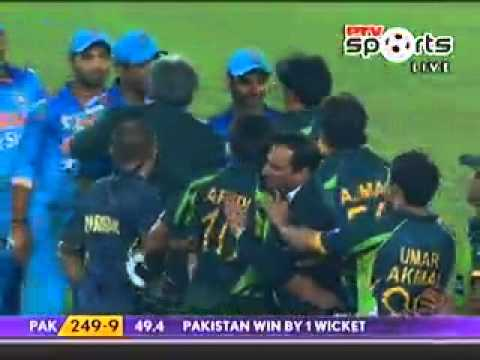 Afridi Hits Winning Six Against India - World Cup 2014