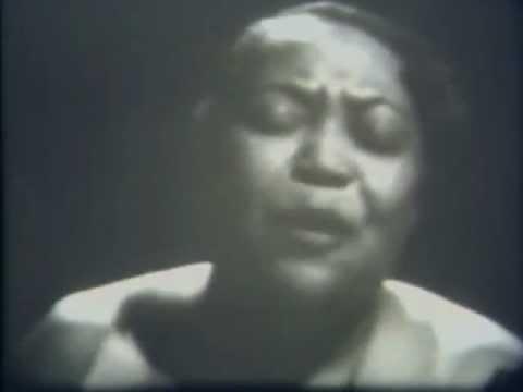 Mae Barnes Net Worth
