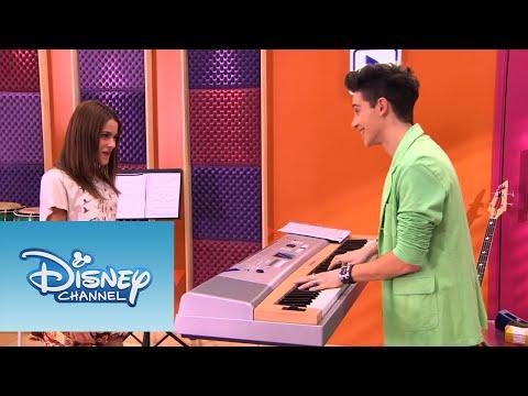 Violetta: Momento musical - Vilu y Federico cantan ¨En mi Mundo¨