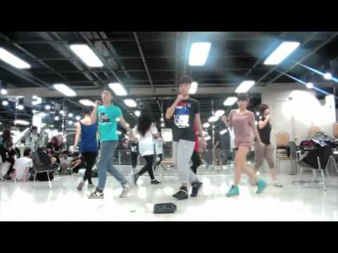 [Practice Room] 18th Mar 2012 - Practicing &quot;Lovey-Dovey&quot;