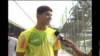 Jogadores jovens ansiosos pelo resultado do Trof�u Tel� Santana - categoria revela��o