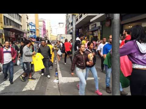 Rua 25 de Marco World Cup Madness in São Paulo