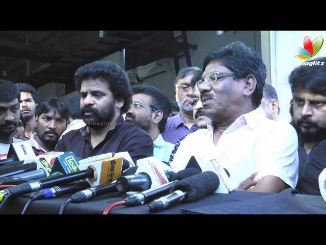 Director Bharathiraja and Ameer paying homage to Balu Mahendra | Funeral Video | Death