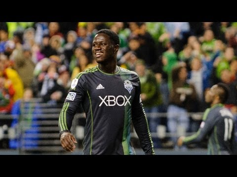 GOAL: Eddie Johnson deft header gives Seattle the lead | Seattle Sounder vs Columbus Crew