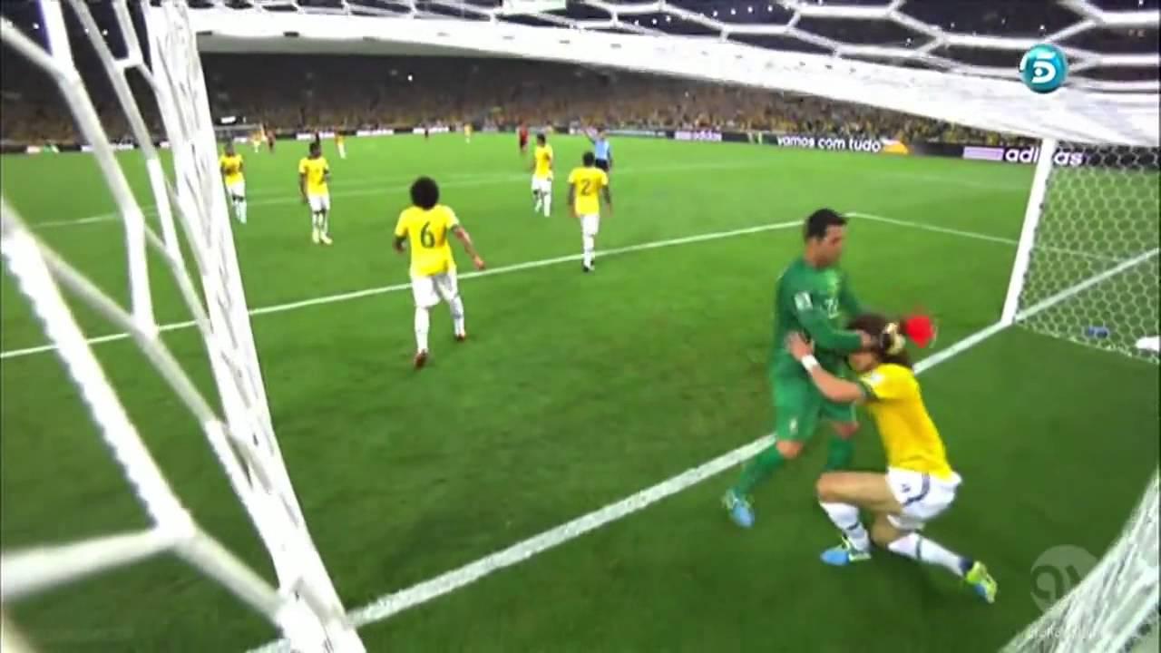 Wow! David Luis Mengagalkan tendangan pemain spain ? Amazing David Luiz