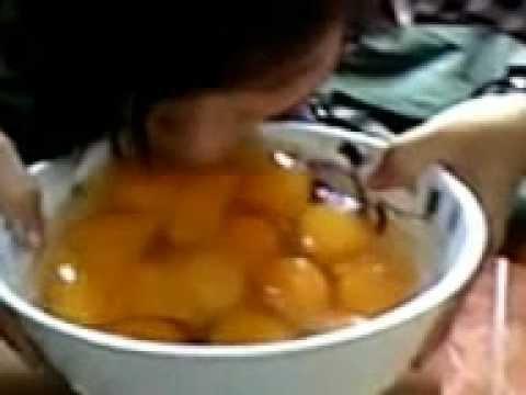 Thánh Nữ Ăn Sống 1 Lúc 20 Quả Trứng Vịt @@!