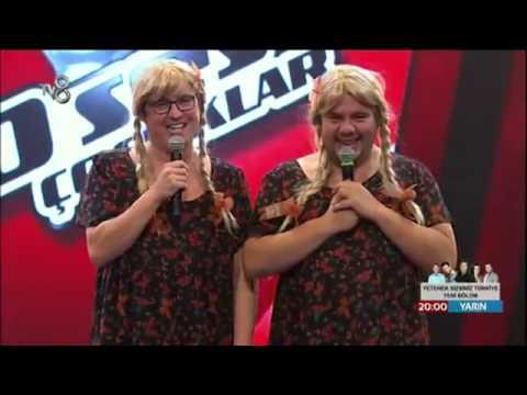 3 Adam O Ses Çocuklar Sahne Şovu ( İkizler Skeci )