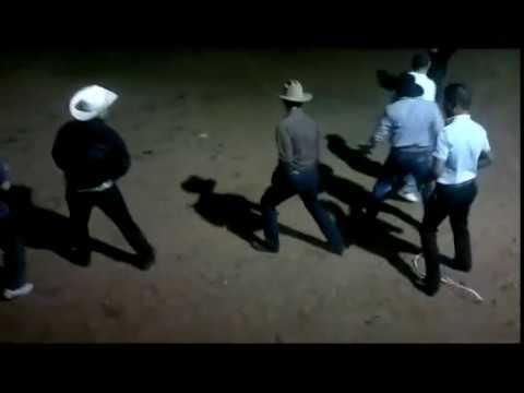 bailando payaso de rodeo