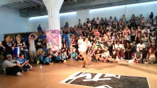 SDK World Battle 2013 Romania: Male Hip Hop - Quarter Finals: Roberto [Romania] vs Paradox [Holland]