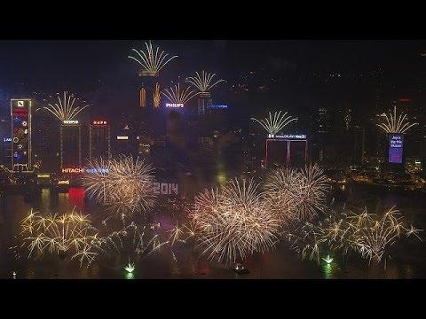 العالم يستقبل العام الجديد 2014
