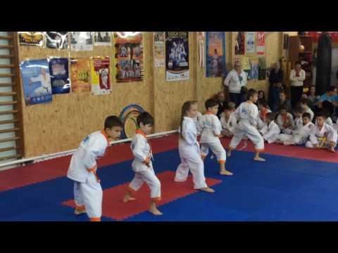 Аттестационный экзамен 09.10.2016 г. по каратэ в клубе Тигренок ч. 4