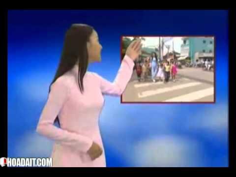 Bé học luật an toàn giao thông đường bộ