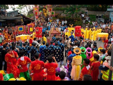 Tưng bừng Lễ hội Vía Bà Chúa xứ Núi Sam (Châu Đốc - An Giang)