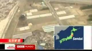 Tsunami En Japon 2010 ::: Avistamiento De OVNI