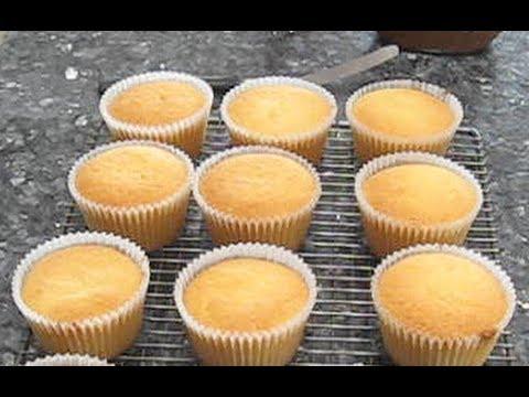 Simple Vanilla Cupcakes - Leia's Baking Corner