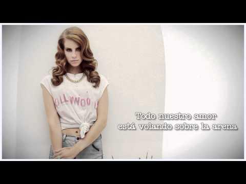Lana del Rey - Kill Kill (Subtitulos español), Ilustración inspirada en la canción: http://www.flickr.com/photos/johnacevedo/8603776481/ Obligado a subir las escaleras, estoy en la ducha ¿Sabes voy a deja...