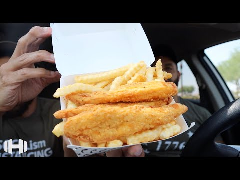 "Eating Del Taco's ""Chicken & Fries Box"""