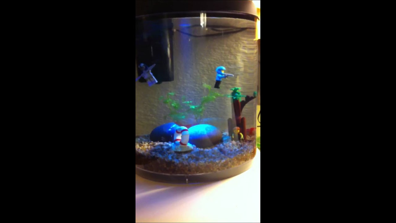 Lego fish tank youtube for Fish tank youtube