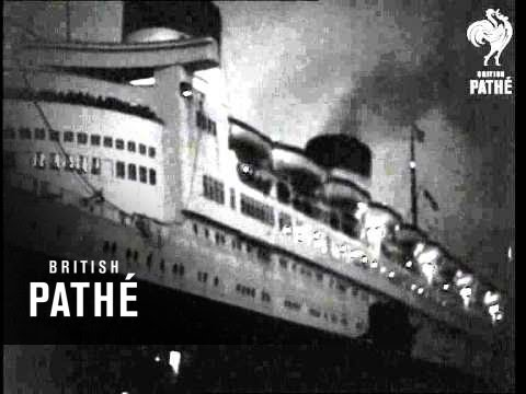 Queen Elizabeth Arrives At Southampton AKA 'queen Elizabeth' Docking At Night (1948)