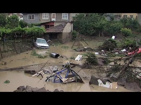 Bulgarian flood clean-up starts